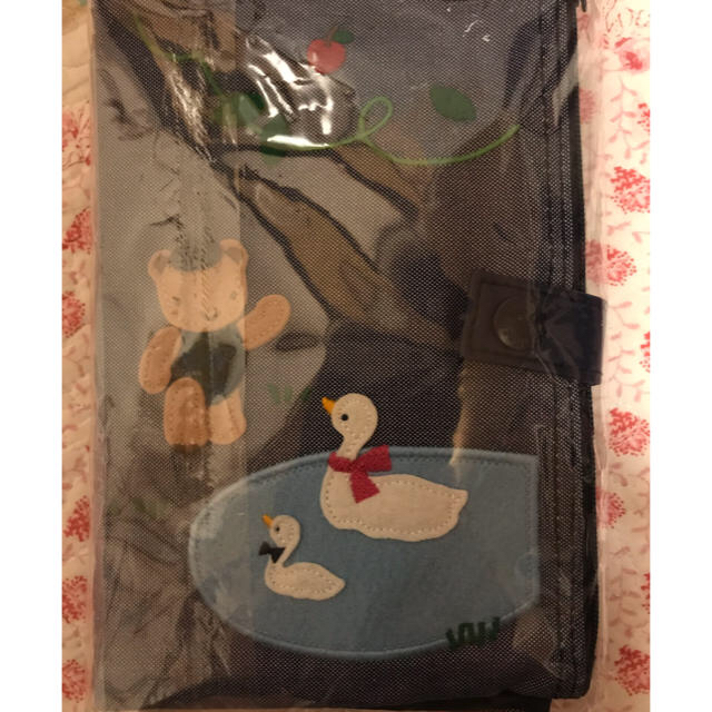 familiar(ファミリア)の再お値下げ!ファミリア  マルチポーチ キッズ/ベビー/マタニティのマタニティ(母子手帳ケース)の商品写真