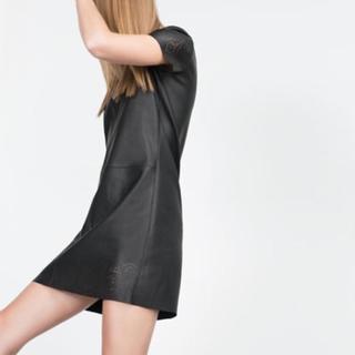 ザラ(ZARA)の美品 フェイク レザーワンピ 袖あり フォーマル パンチング 透け 黒ワンピ(ひざ丈ワンピース)