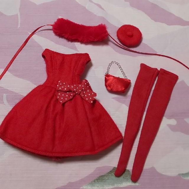 美品 リカちゃん ジェニー 2011年 クリスマス ドレス セット キッズ/ベビー/マタニティのおもちゃ(ぬいぐるみ/人形)の商品写真