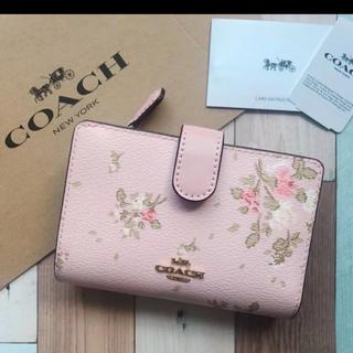 コーチ(COACH)の2020年春新作 COACH 花柄 二つ折り財布(折り財布)