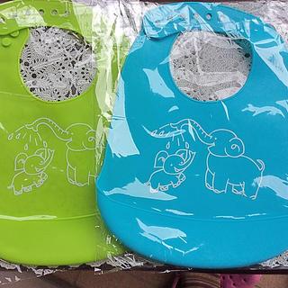 食事用エプロン シリコン製 洗濯簡単 象の親子柄 黄緑 水色 2枚セット