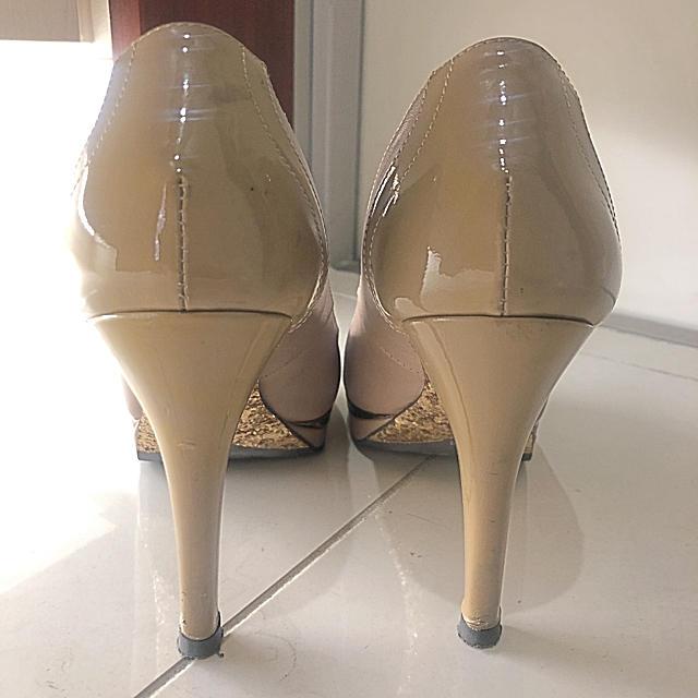 POOL SIDE(プールサイド)のプールサイド  ピンクベージュ オープントゥ レディースの靴/シューズ(ハイヒール/パンプス)の商品写真
