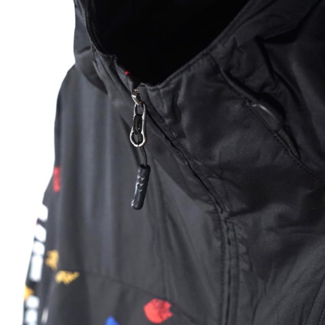THE NORTH FACE(ザノースフェイス)の◆世界1店舗限定◆THE NORTH FACE 総柄マウンテンジャケット L メンズのジャケット/アウター(ナイロンジャケット)の商品写真