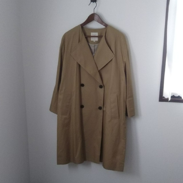 BEAMS(ビームス)のB:MING by BEAMS  ノーカラー トレンチコート  レディースのジャケット/アウター(トレンチコート)の商品写真