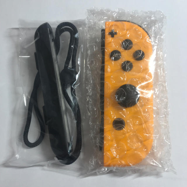 Nintendo Switch(ニンテンドースイッチ)の新品未使用 Switch Joy-Con R ネオンオレンジ 美品 エンタメ/ホビーのゲームソフト/ゲーム機本体(家庭用ゲーム機本体)の商品写真