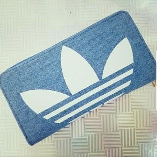 アディダス(adidas)のadidas デニム ラウンドファスナー 長財布 ラージサイズ bigロゴ(財布)