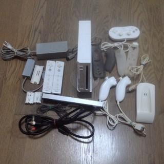 ウィー(Wii)のニンテンドーwii ソフト5本(家庭用ゲーム機本体)