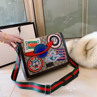 Gucci - ◆◆◇□ショルダ-バッグ