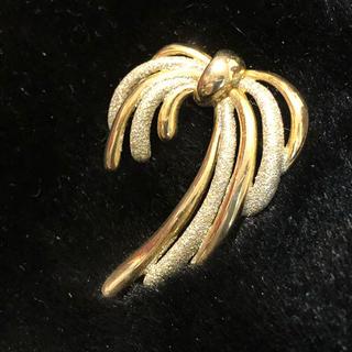 クチュールブローチ(Couture Brooch)のリボン ゴールド 上品 ブローチ(ブローチ/コサージュ)