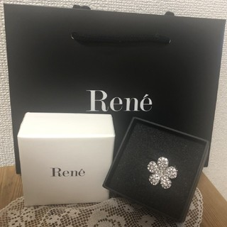 René - Reneフラワーブローチ