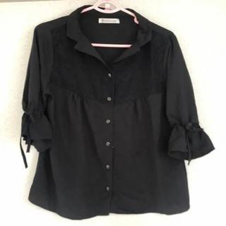 マジェスティックレゴン(MAJESTIC LEGON)のレース使いリボン袖開襟ブラウス 黒(シャツ/ブラウス(半袖/袖なし))
