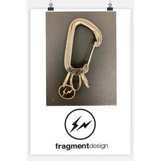 FRAGMENT - uniform experiment カラビナ