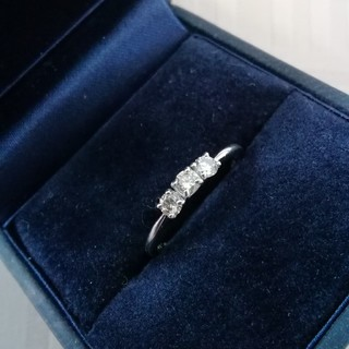ジュエリーマキ(ジュエリーマキ)のPt900  3連  ダイヤモンドリング(リング(指輪))