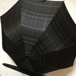 バーバリー(BURBERRY)のバーバリー メンズ  ノバチェック ダークグレー 長傘  カバー付(傘)
