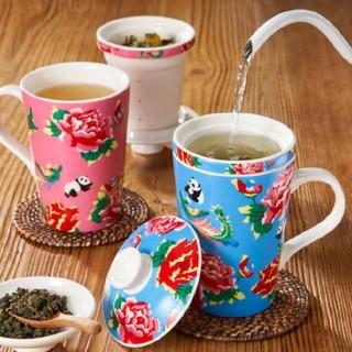 カルディ(KALDI)の《大人気!!》カルディ 濾茶杯 茶こし付きマグカップ ピンク・水色(グラス/カップ)