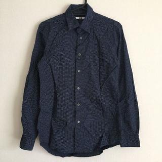 ユニクロ(UNIQLO)のシャツ(シャツ)