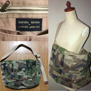ユナイテッドアローズ(UNITED ARROWS)のユナイテッドアローズ送料込マフィアデザイン鞄ショルダーバッグ革レザー付ミリタリー(ショルダーバッグ)