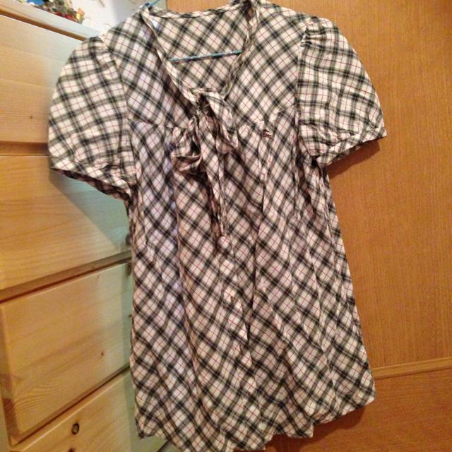BURBERRY(バーバリー)のバーバリーブルーレーベル☆シャツ レディースのトップス(シャツ/ブラウス(半袖/袖なし))の商品写真