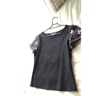 エムズグレイシー(M'S GRACY)の♡今回はブラック♡チューガンジーの刺繍袖トップス(Tシャツ(半袖/袖なし))