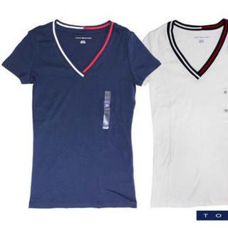 トミーヒルフィガー(TOMMY HILFIGER)のTommy VネックTシャツ 2着セット(リンクコーデ向け)(Tシャツ/カットソー(半袖/袖なし))