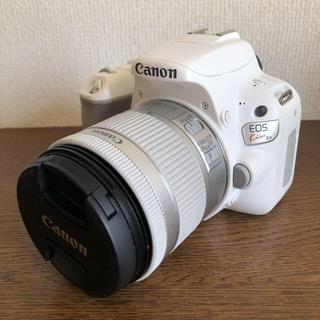 キヤノン(Canon)のキャノン EOS Kiss X9 レンズキット ホワイト 一眼レフカメラ(デジタル一眼)