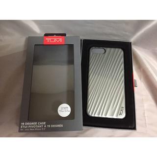 トゥミ(TUMI)のTUMI トゥミ カバー iPhone7 Plus/ iPhone8 Plus銀(iPhoneケース)