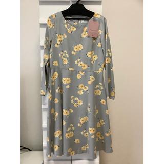 クチュールブローチ(Couture Brooch)のCouture brooch クチュールブローチ ワンピース 花柄シルバーグレー(ひざ丈ワンピース)