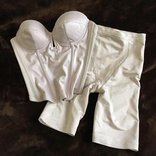 ブルーム(BLOOM)のブライダルインナー ビスチェ&ガードル(ウェディングドレス)