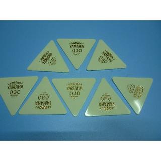 YAMAHA 正三角形ピック 8枚セット  厚さ:030 (長期在庫品) 白(その他)