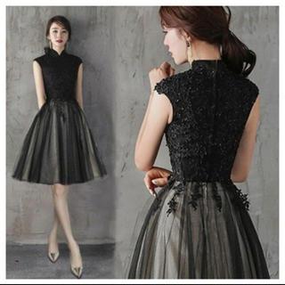 ザラ(ZARA)の黒刺繍 ドレス(ミディアムドレス)