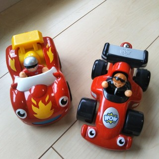 BorneLund - WOW Toys 車のオモチャ 2個セット