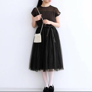 メルロー(merlot)のドレス merlot plus デコルテシースルー チュールスカート ワンピース(ミディアムドレス)