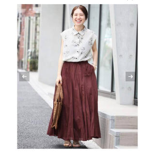 イエナ(IENA)の最終価格 美品 イエナコットンボイルギャザーパネルスカート 38  ブラウン(ロングスカート)