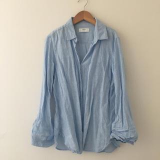 ユニクロ(UNIQLO)のユニクロ リネンシャツ ブルー 水色(シャツ/ブラウス(長袖/七分))