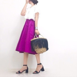 ジーユー(GU)の【GU】イージー カラーフレア スカート(ひざ丈スカート)
