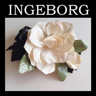 インゲボルグ(INGEBORG)のインゲボルグ ♡ケース付き  コサージュ♡ロゴ リボン ブローチ(ブローチ/コサージュ)