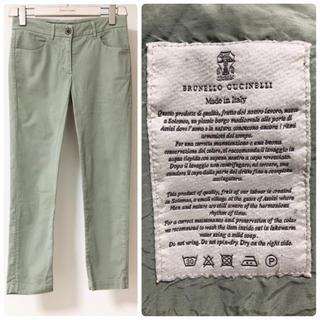 ブルネロクチネリ(BRUNELLO CUCINELLI)のブルネロクチネリ38  春夏 コットン素材 ズボン ピスタチオ(カジュアルパンツ)