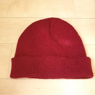 ケービーエフ(KBF)のKBF ニット帽 ニットキャップ 赤(ニット帽/ビーニー)