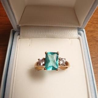 ❇️特別お値下げ❇️エメラルド&キュービックジルコニアの指輪(19号)(リング(指輪))