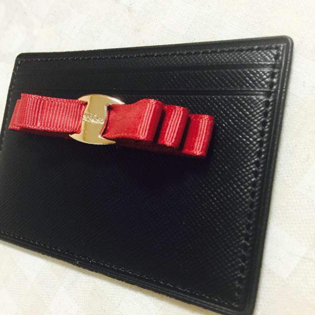 しまむら(シマムラ)の新品  フェラガモ風  パスケース レディースのファッション小物(名刺入れ/定期入れ)の商品写真