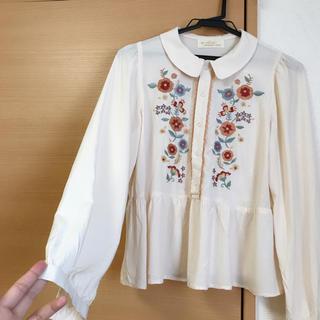 ダブルクローゼット(w closet)のw closet 刺繍ブラウス(シャツ/ブラウス(長袖/七分))