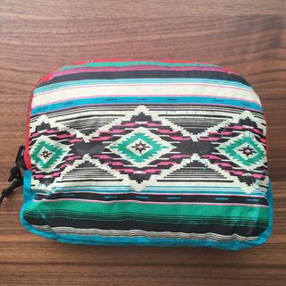 チチカカ(titicaca)のウインドブレーカー(ナイロンジャケット)