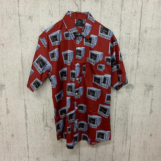 ファンキーフルーツ(FUNKY FRUIT)のレトロコンピュータ 半袖シャツ レッド(シャツ/ブラウス(半袖/袖なし))