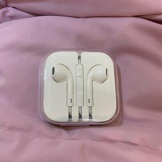 アップル(Apple)のiPhoneイヤホン 純正品(ヘッドフォン/イヤフォン)