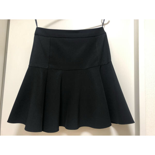 ダナキャランニューヨーク(DKNY)のDKNY 黒 ペプラム フレア スカート(ひざ丈スカート)