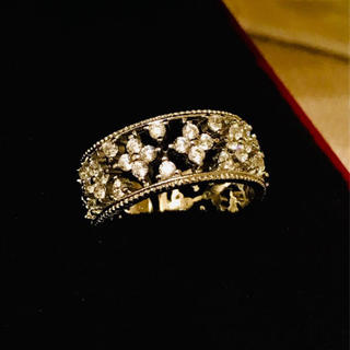 ヴァンクリーフアンドアーペル(Van Cleef & Arpels)のクラシカルフラワーリング☆サイズフリー☆高品質人工ダイヤモンド☆(リング(指輪))
