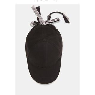 ザラ(ZARA)のダブルリボン付きキャップ ZARA 美品 ブラック フリーサイズ(キャップ)