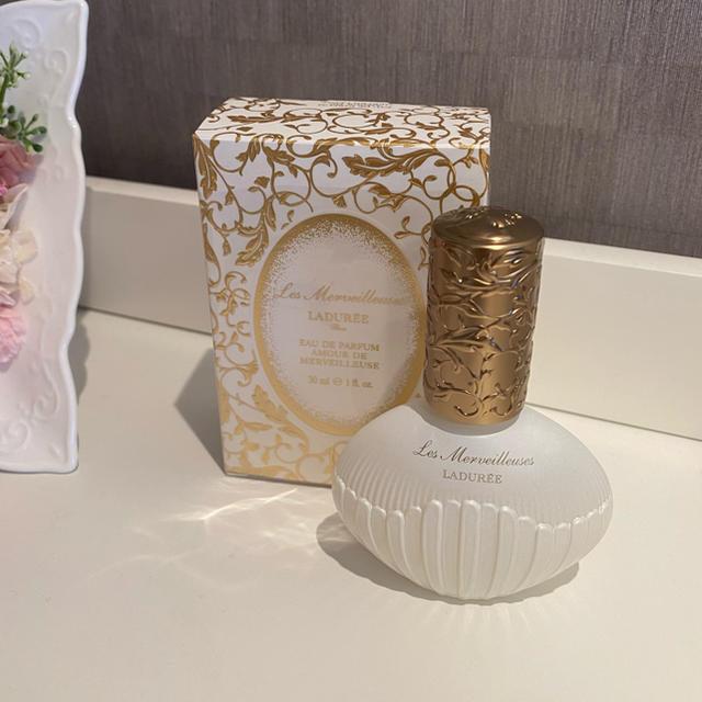 Les Merveilleuses LADUREE(レメルヴェイユーズラデュレ)の【値下げ】LADUREE 新作香水 コスメ/美容の香水(香水(女性用))の商品写真