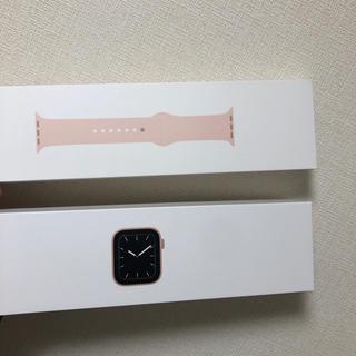 アップルウォッチ(Apple Watch)のApple watch 5 GPSモデル アルミニウム ピンク 40mm(その他)