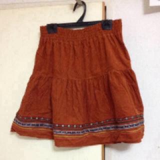 ハニーズ(HONEYS)の暖色のスカート(ひざ丈スカート)